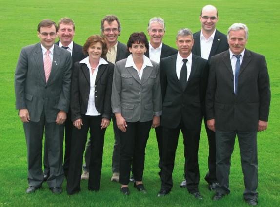Von links: Manfred Rehm, Rudolf Schöwe, Heike Ahl, Ottmar Schmid, Anke Kadach, Gerhold Weber, Michael Kadach, Michael Kießling, Roland Höflmair
